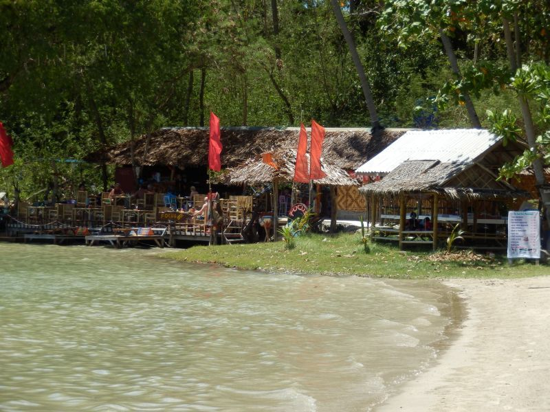 sehr nette Bar am Ende des Kav Kwang Beach