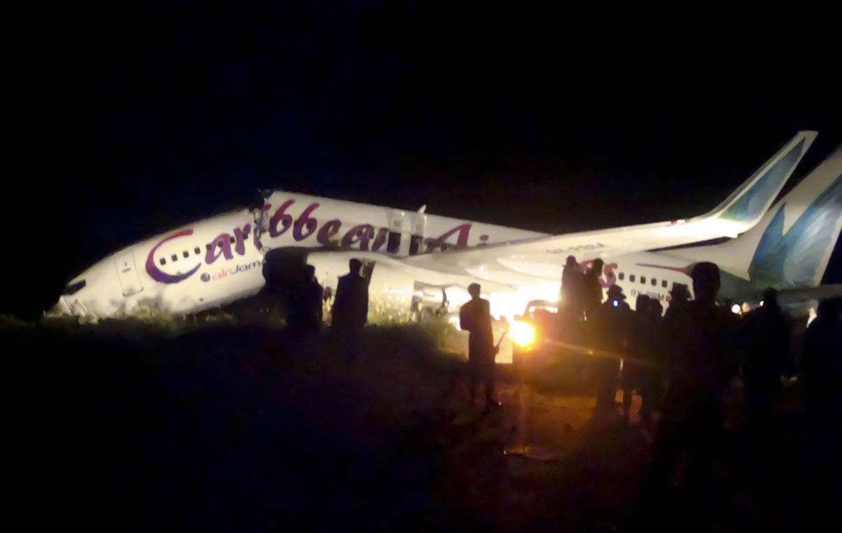 20110730t202719z1967948 - Ningún fallecido tras partirse el avión del vuelo BW523