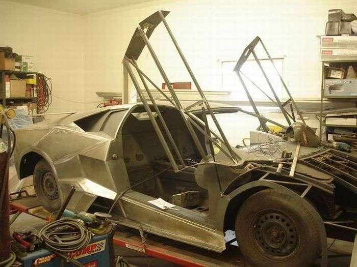 70323 - Convertir de Pontiac a Lamborghini Reventon