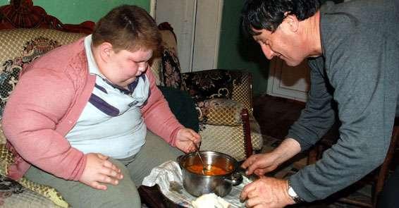 140 kilo ağırlığındaki obezite hastası Taha Soysal